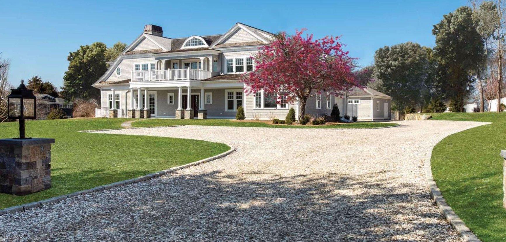 Lori Jurkowski  – Kinlin Grover Real Estate